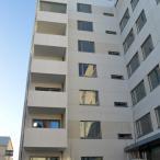 A- ja B-talojen sisäänkäynti. Kuva: Marja Valjus